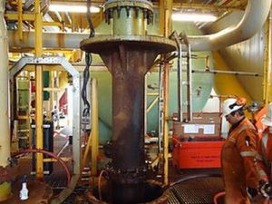 Hoist to Handle Offshore Seawater Pumps