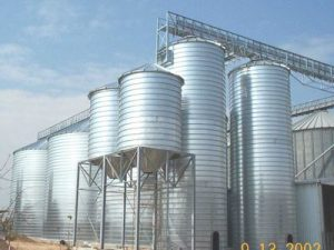 Spiral silos with hopper bottom